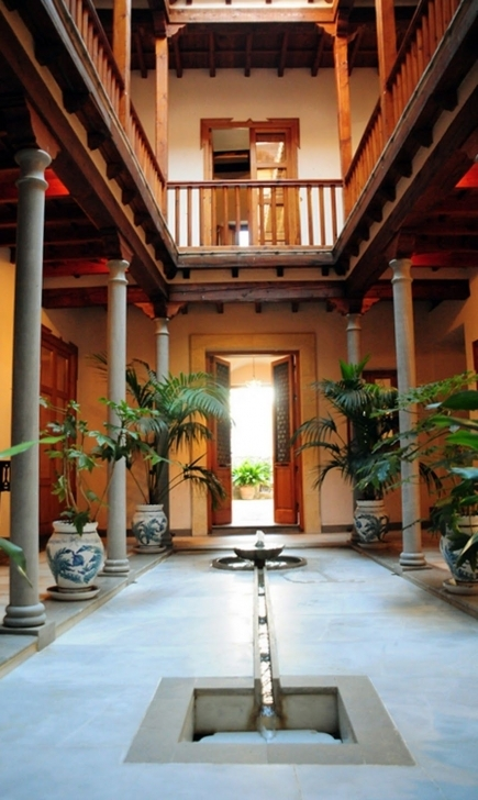 Great Reminds Me Of Old Indian Houses Built Mandatorily With Courtyards In Old Indian House Pic Image