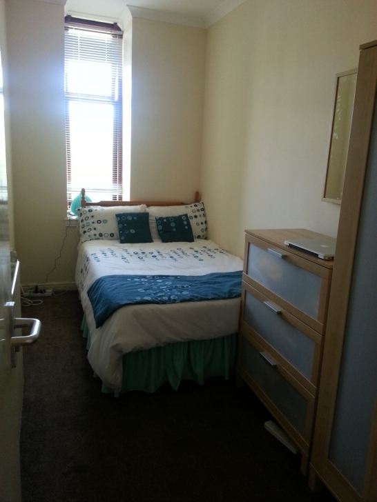 Inspiring Double Bedroom In Large 3 Bedroom Flat Close To Glasgow University Three Bedroom Flats Glasgow Image