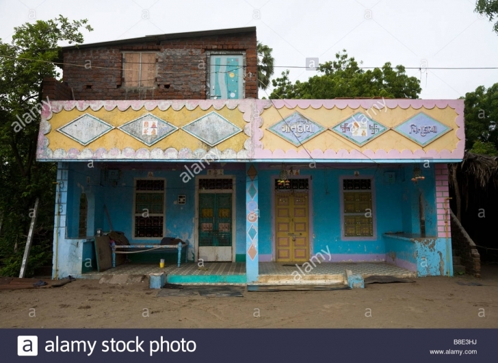 Interesting N Houses In Hazira Village Near Surat Gujarat Pictures Images Of Indian Village House Photo Gallery Pic