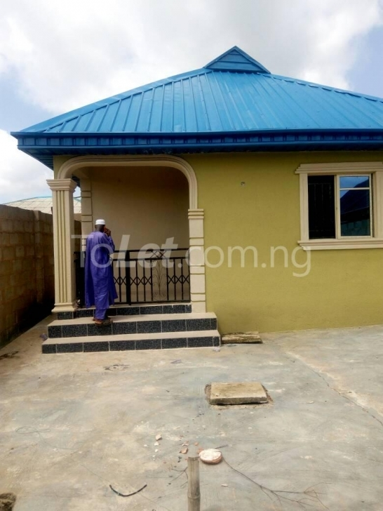 Popular 3 Bedroom House For Sale Agric Ikorodu Ikorodu Lagos (Pid: J6057) Building On Half Plot Of Land Pic