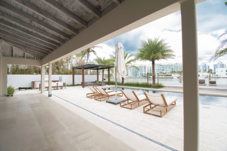 Wonderful A Miami Beach Outdoor Living Space - Luxapatio 15Ftby 15Ft Home Design Photo