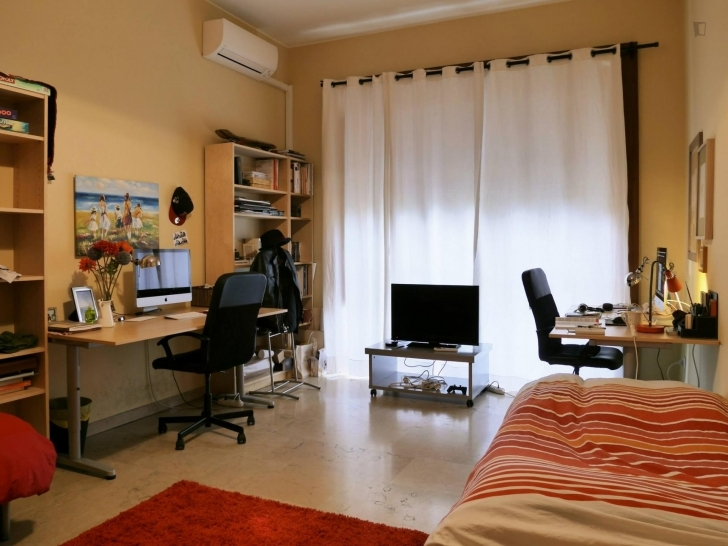 Awesome Room For Rent In Largo Isabella D'aragona - Erasmus Milan 3 Bedroom Twin Flat Photo