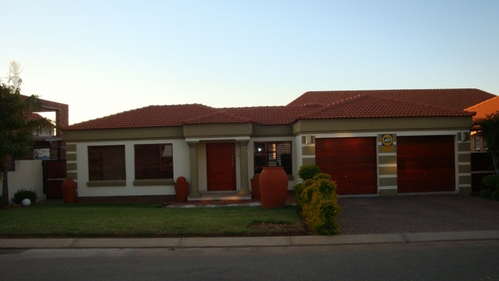 Classy 4 Bedroom House For Sale In Polokwane Modern House Plans In Polokwane Pic