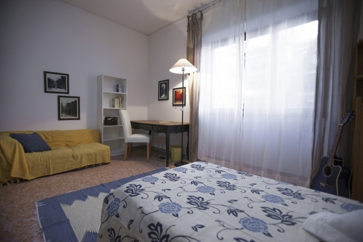 Most Inspiring Spacious Single (Or Twin) Bedroom (N. 3), Within Cosy Well-Furnished 3 Bedroom Twin Flat Picture